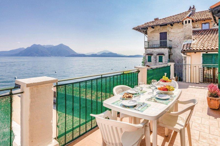 Villa in Italy, Isola Superiore