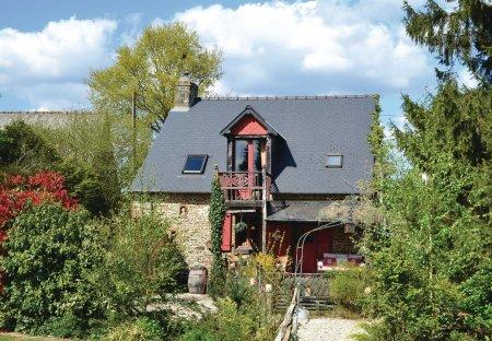 Villa in Sainte-Marie-du-Bois, France