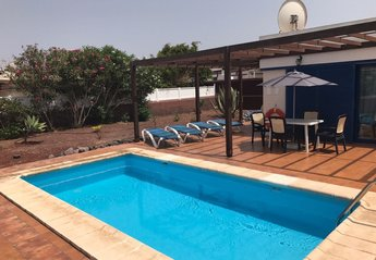 2 bedroom Villa for rent in Castillo del Águila