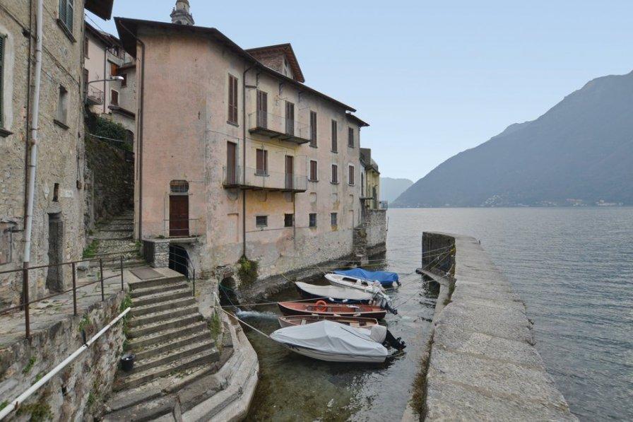Apartment in Italy, Nesso