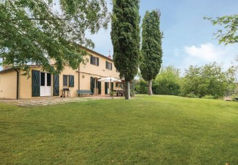 3 bedroom Villa for rent in Cetona