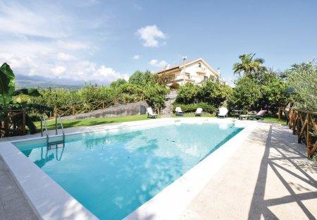 Villa in Santa Venerina, Sicily