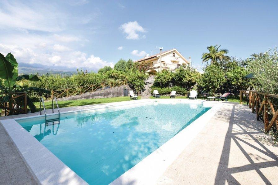 Villa in Italy, Santa Venerina