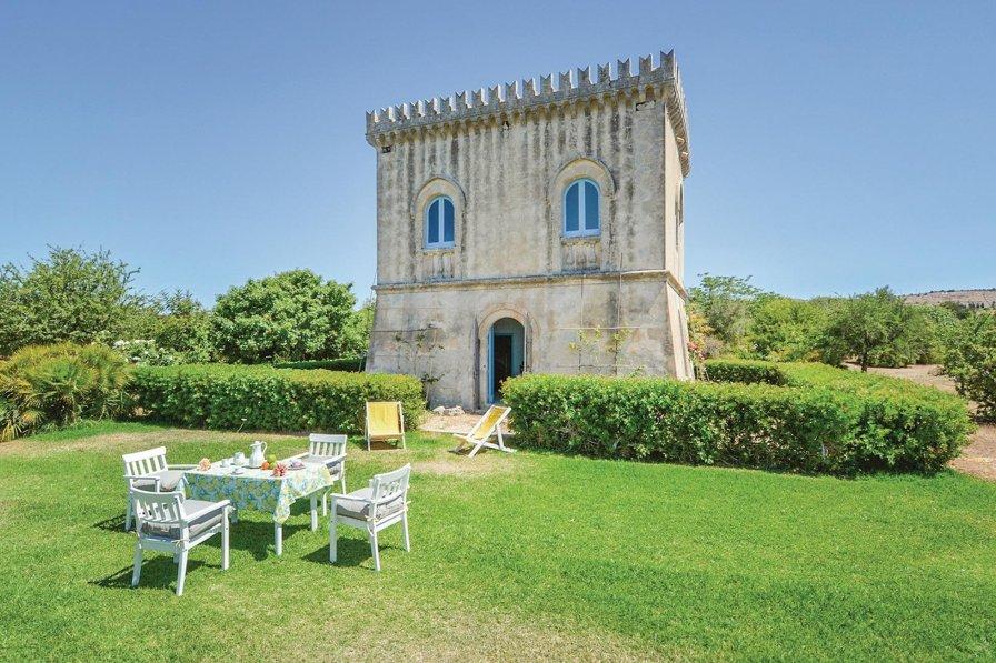 Villa in Italy, Noto