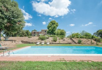 10 bedroom Villa for rent in Lucignano
