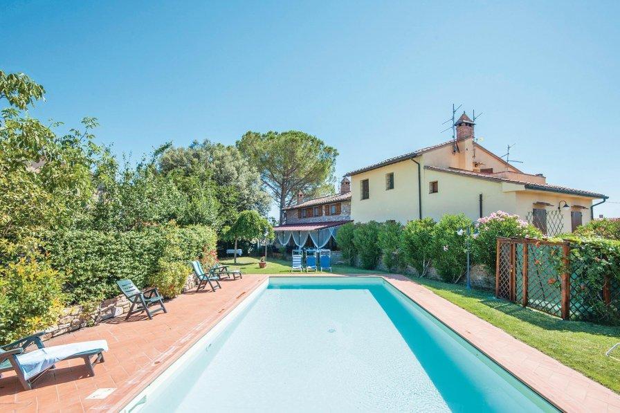 Villa in Italy, Muffa