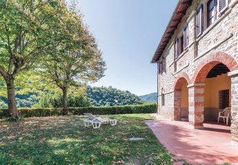 6 bedroom Villa for rent in Dicomano