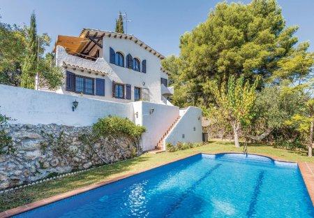 Villa in El Vendrell, Spain