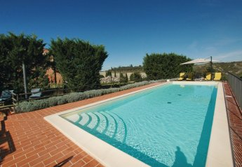 5 bedroom Villa for rent in Asciano