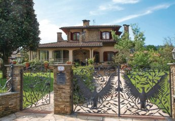 4 bedroom Villa for rent in Camaiore