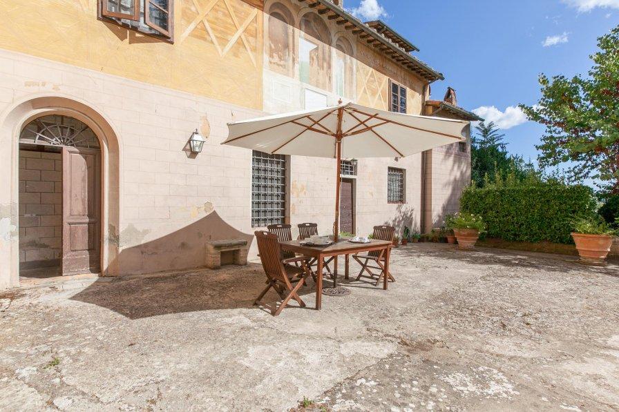 Villa in Italy, Capannoli