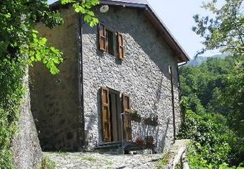 Farm House in Italy, Pascoso: exterior