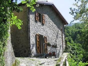 Farm house in Italy, Pescaglia: exterior