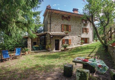 Villa in Castel Focognano, Italy