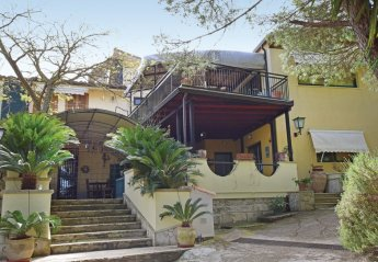2 bedroom Villa for rent in Modica