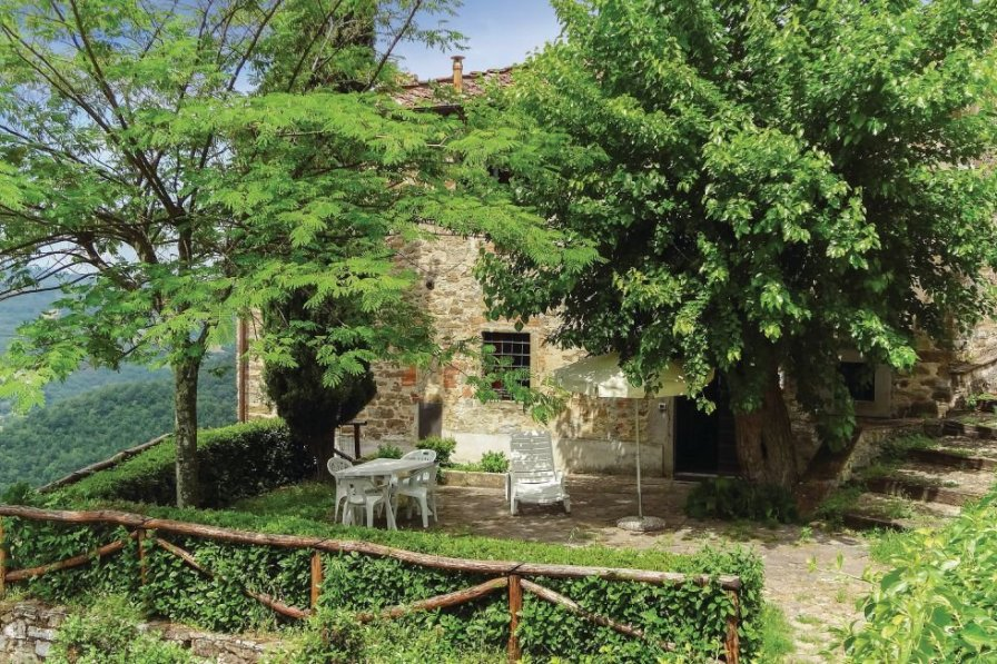 Villa in Italy, Dicomano: