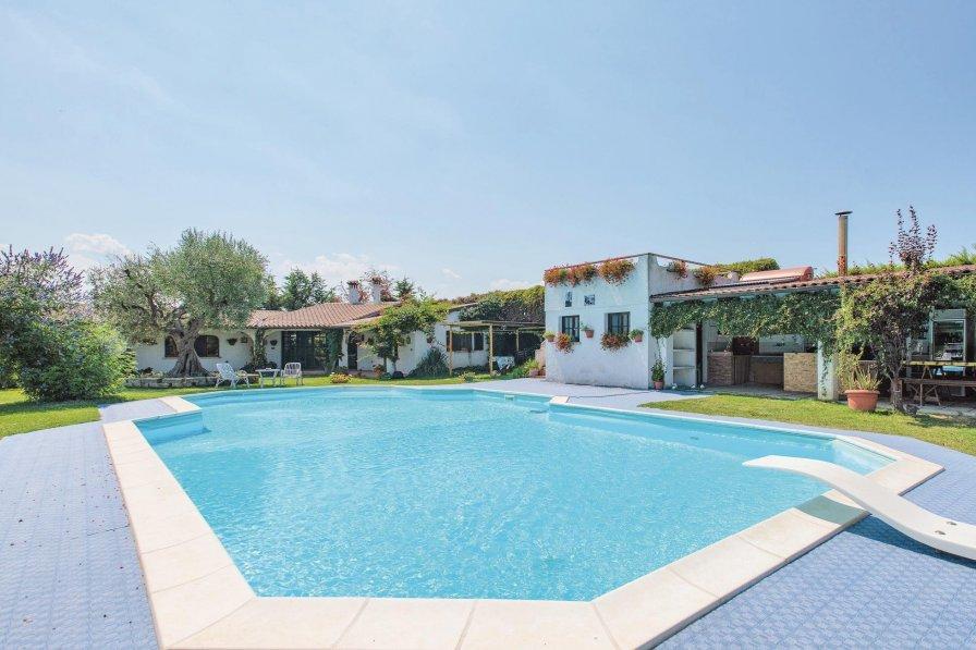 Villa in Italy, San Costanzo