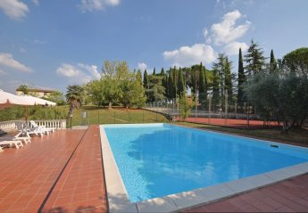 4 bedroom Villa for rent in Palaia