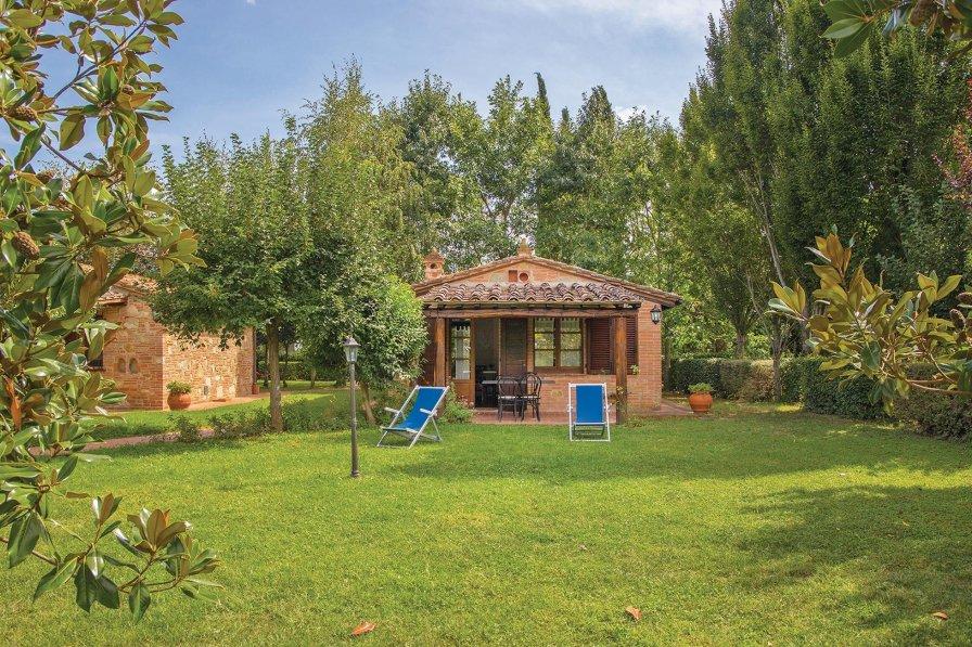 Villa in Italy, Macchie