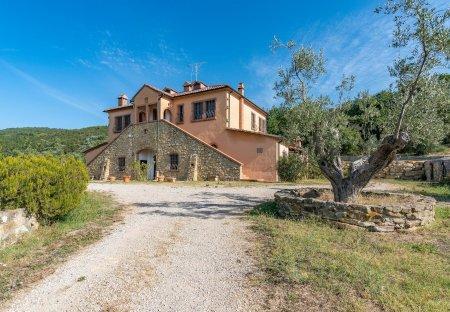 Villa in Sassetta, Italy