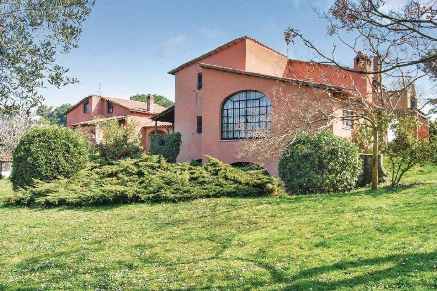 Villa in Italy, Castelluccia
