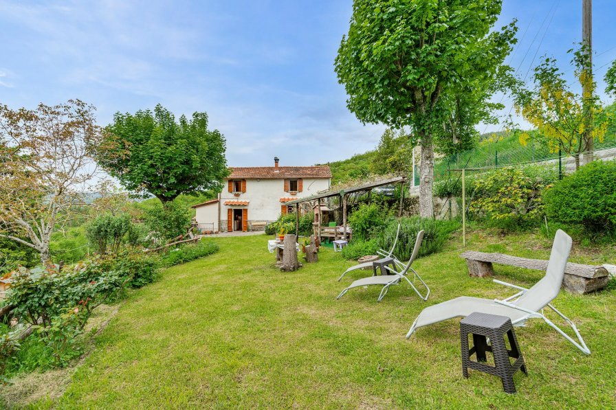 Villa in Italy, Lonnano
