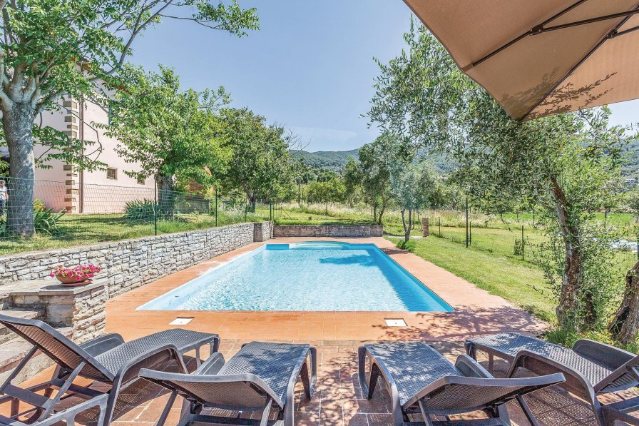 Villa with swimming pool in Arezzo