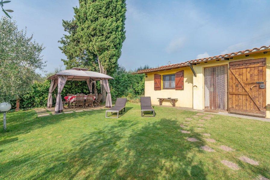 Villa in Italy, Follonica