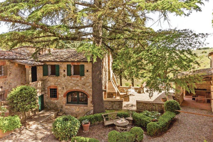 Villa in Italy, Ama