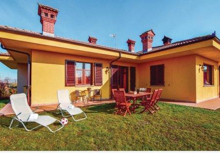 Villa in Cherasco, Italy