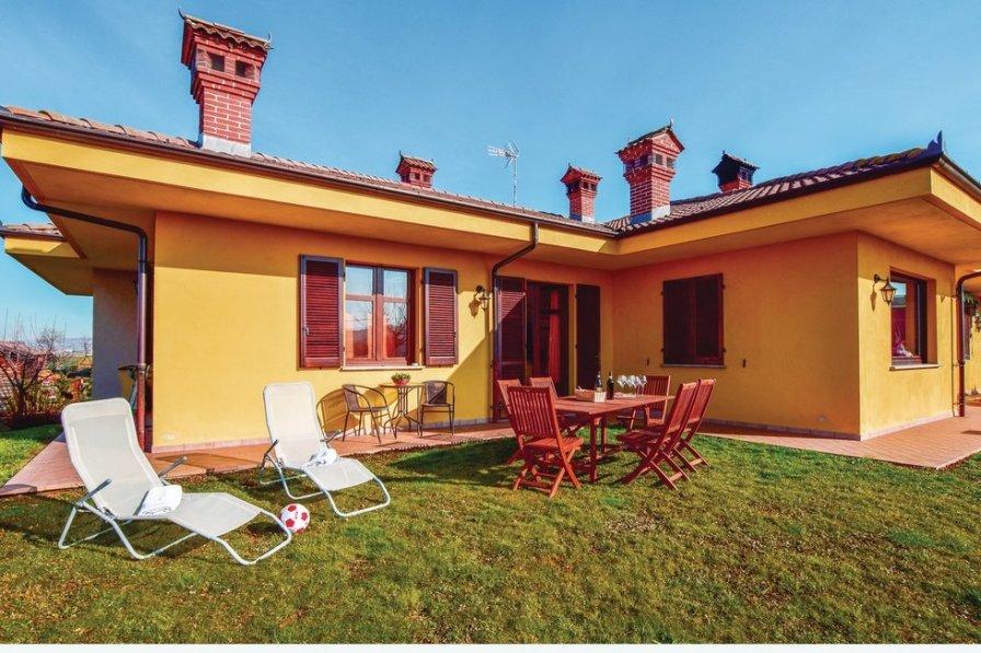 Villa in Italy, Cherasco
