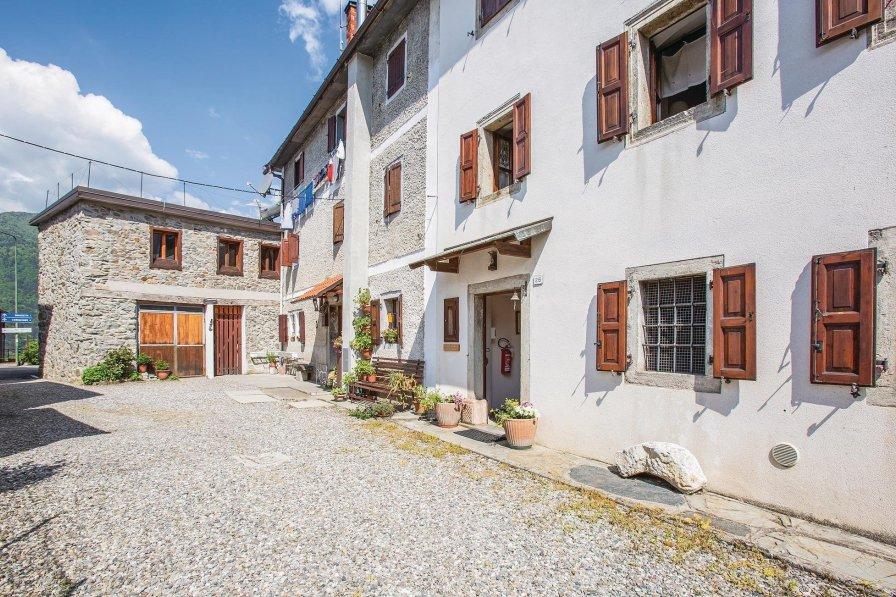 Villa in Italy, Tualis
