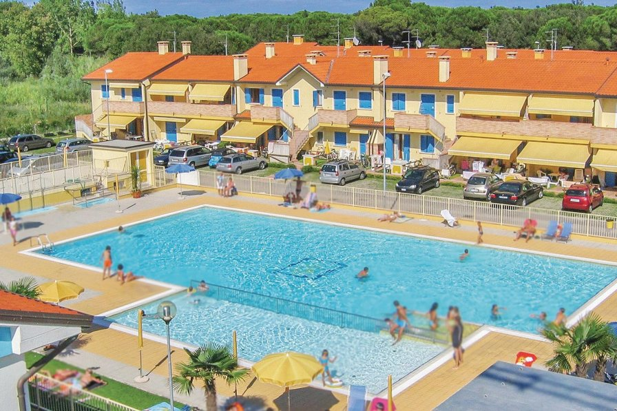 Apartment To Rent In Rosolina Italy With Shared Pool 201439
