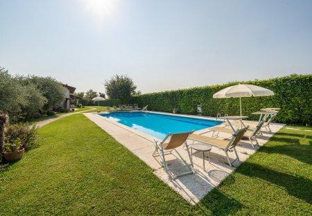 Villa in Ceredello, Italy