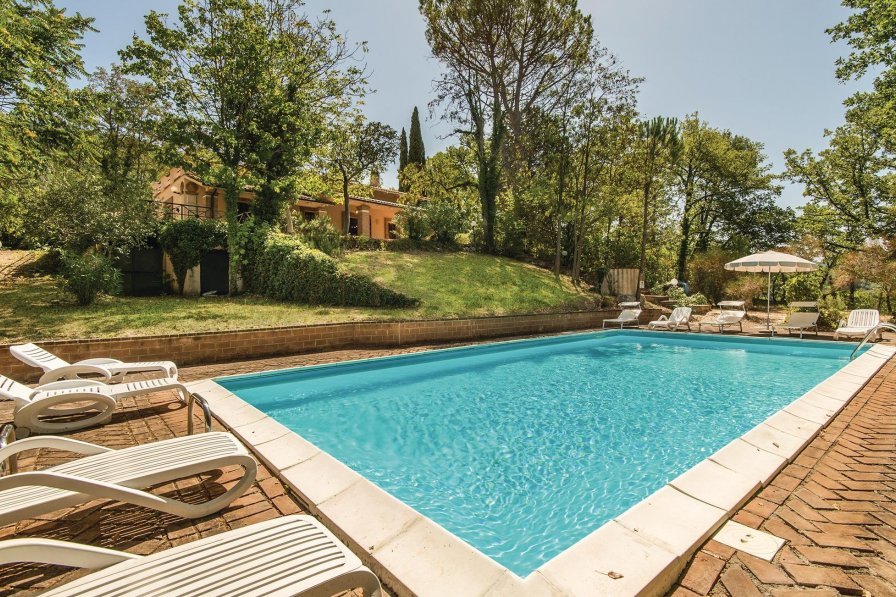 Villa in Italy, Stroncone