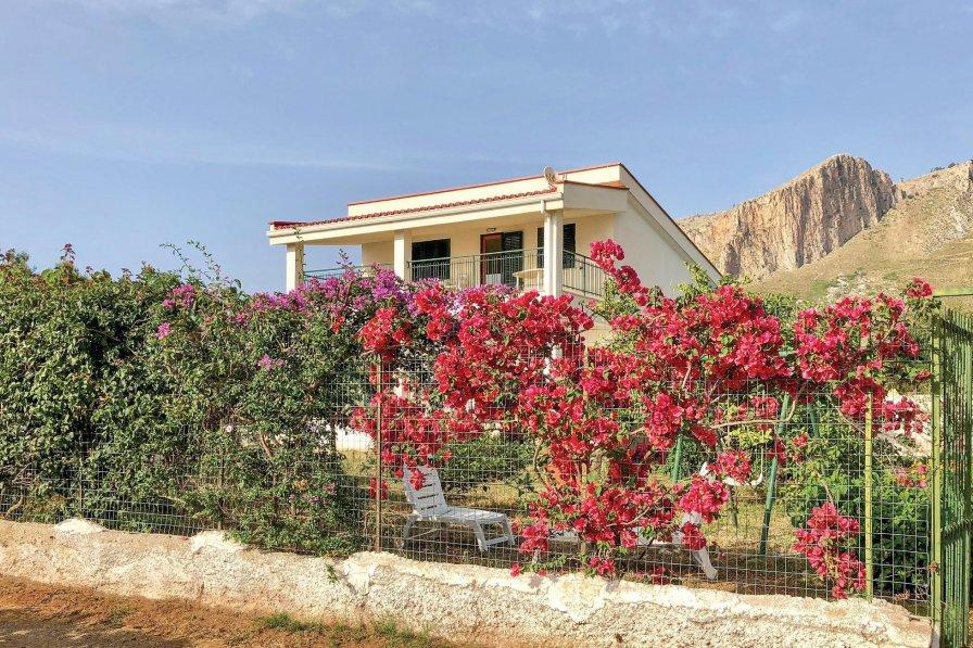 Apartment in Italy, Agliandroni-Paternella