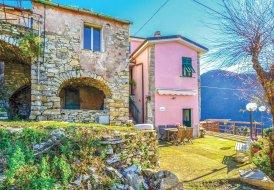 Villa in La Costa, Italy