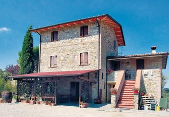 2 bedroom Villa for rent in Montone