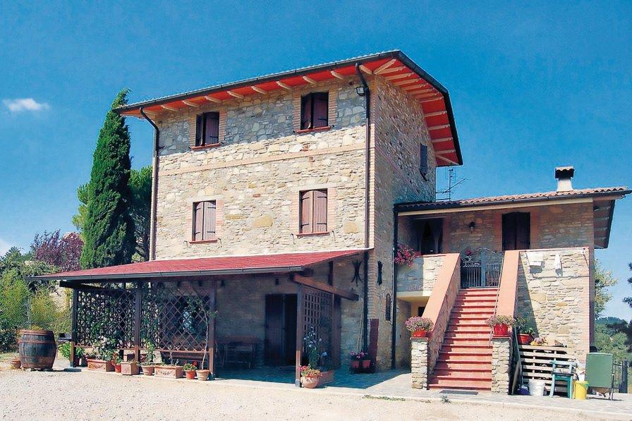Villa in Italy, Montone