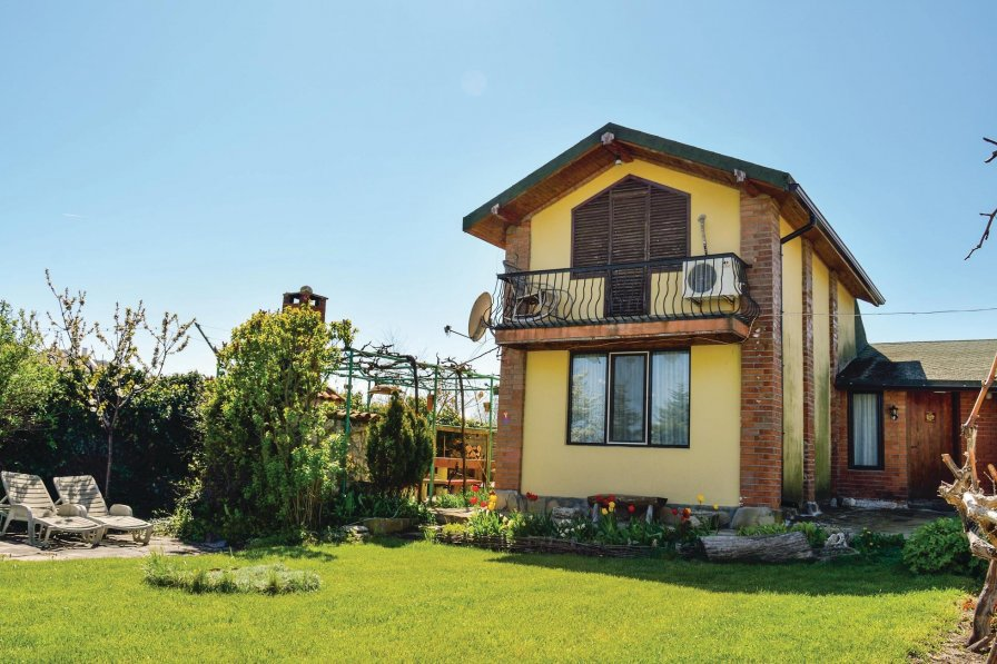 Villa with swimming pool in Varna