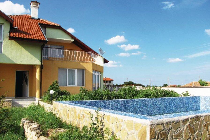 Villa rental in Tyulenovo with swimming pool