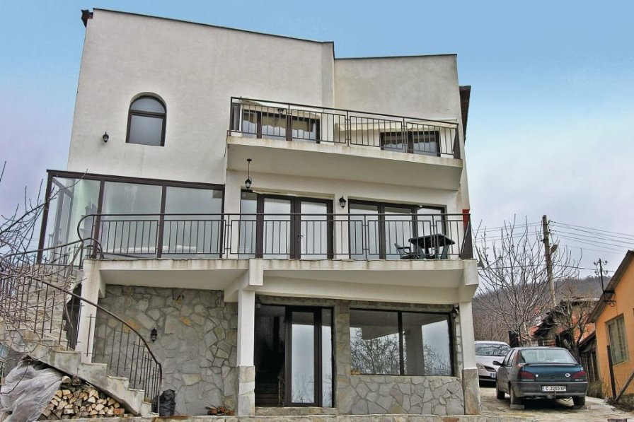 Villa to rent in Kosharitsa
