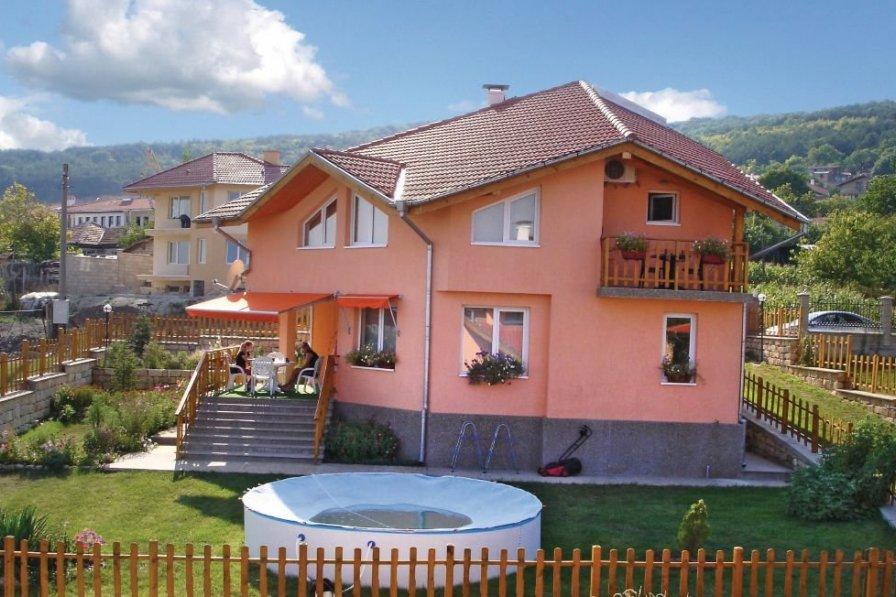 Varna holiday villa rental with shared pool