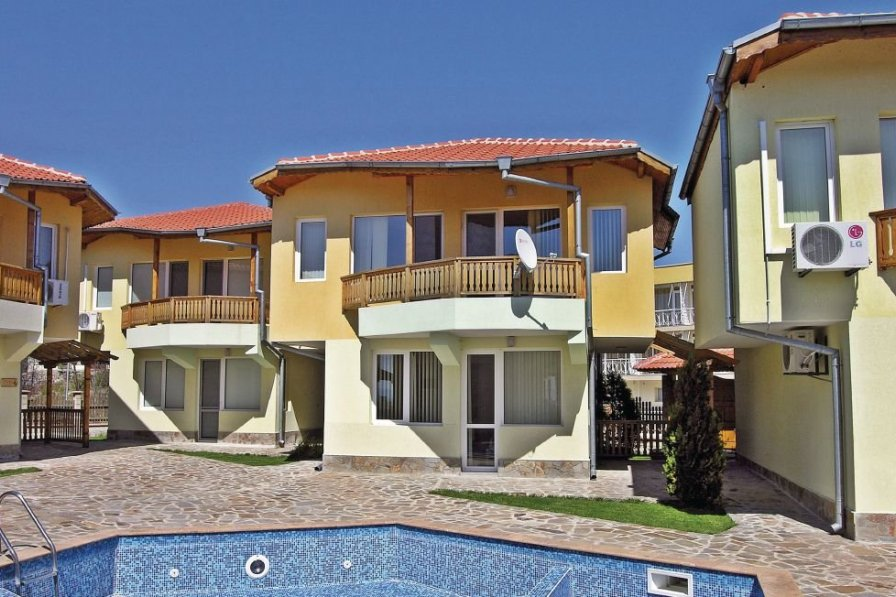 Villa to rent in Karvuna