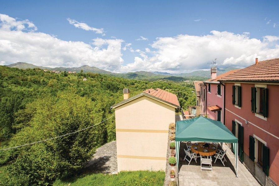 Apartment in Italy, Varese Ligure