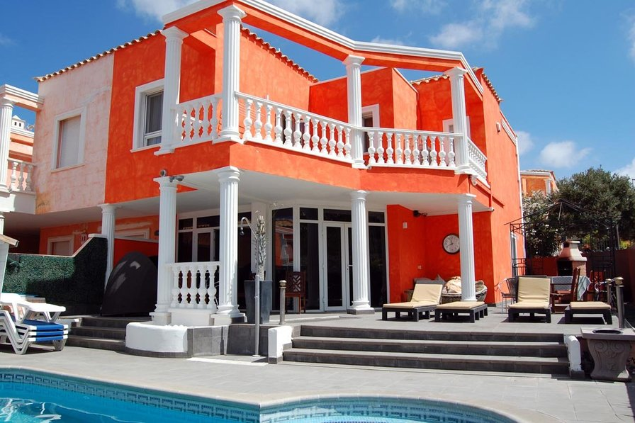 Villa To Rent In Los Cristianos Tenerife With Private