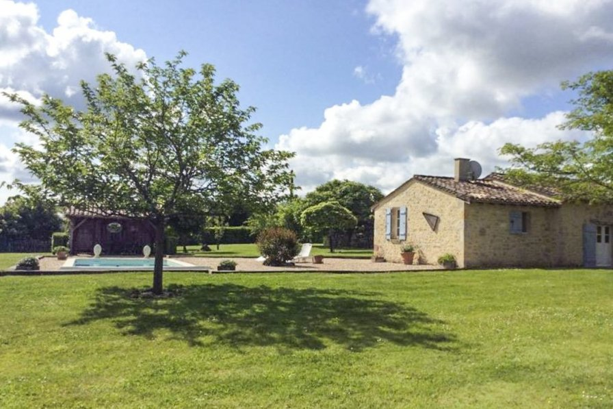 Villa in France, Saint-Méard-de-Gurçon