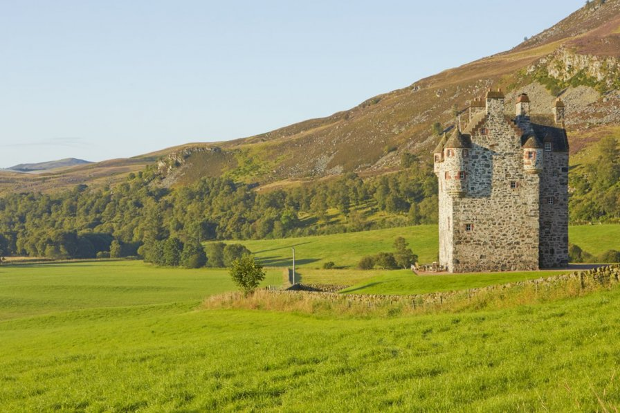 Chateau in United Kingdom, Kirriemuir West: Forter Castle