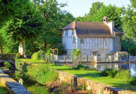Villa in Nonards, France