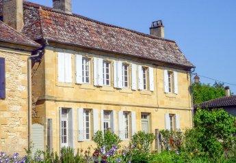 Villa in France, Lanquais